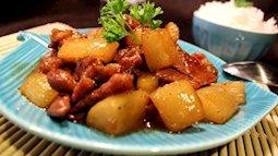 Đậm đà thịt kho củ cải ăn hoài không chán