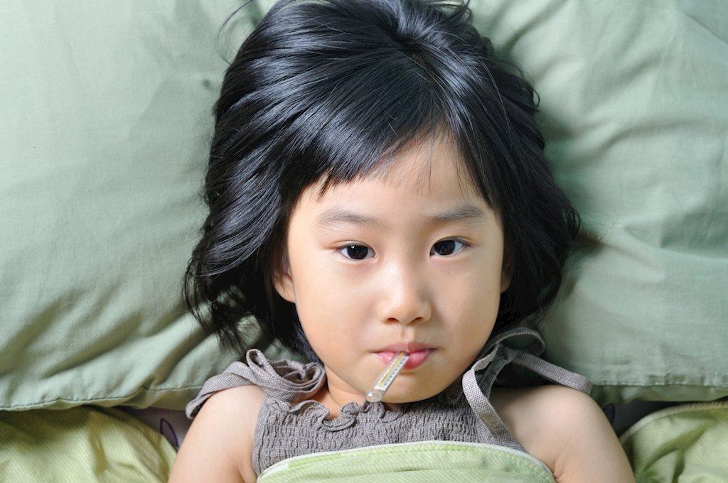 Uống thuốc giảm sốt đúng cách như thế nào?