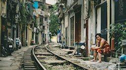 Vẻ bình dị mà đẹp đến nao lòng của xóm đường tàu ở Hà Nội