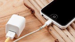 Tránh xa dây cáp, sạc điện thoại giá rẻ nếu không hậu quả rất kinh khủng