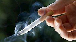 """Người đàn ông hút thuốc lá thay cơm, """"chưa thấy quan tài chưa nhỏ lệ"""""""