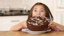 Ăn quá nhiều đường là yếu tố làm gia tăng hành vi bạo lực ở trẻ em