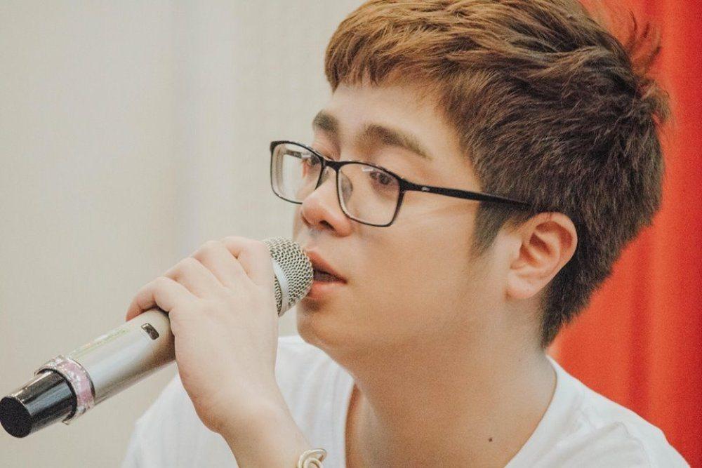 Nhạc sĩ Lê Phương cự Bùi Anh Tuấn vì hát nhạc của mình mà không xin phép