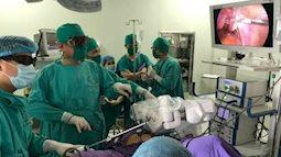 Ứng dụng cánh tay robot điều trị bệnh lý Sản Phụ khoa ở Quảng Ninh