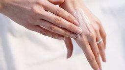 Mùa đông đừng quên vùng da tay nếu không nó sẽ tố cáo tuổi tác của bạn