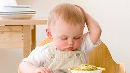 Ép trẻ ăn khuya chẳng khác nào hại con