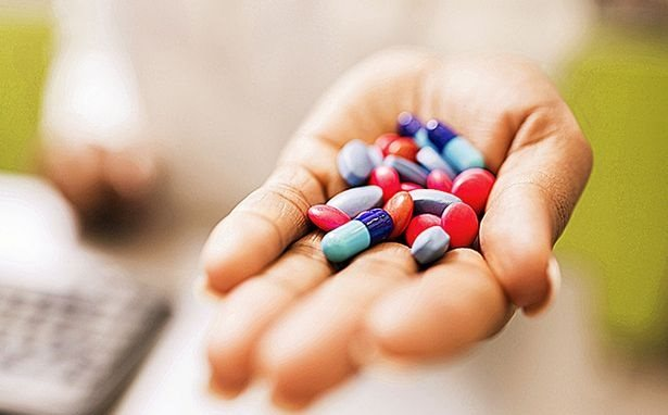 Khi uống thuốc kháng sinh bạn sẽ phải chấp nhận những tác dụng phụ sau