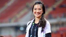 Hot girl làng giải trí là xưa rồi, dân mạng đang sốt với cô nàng bác sĩ người Thái xuất hiện tại AFF Cup