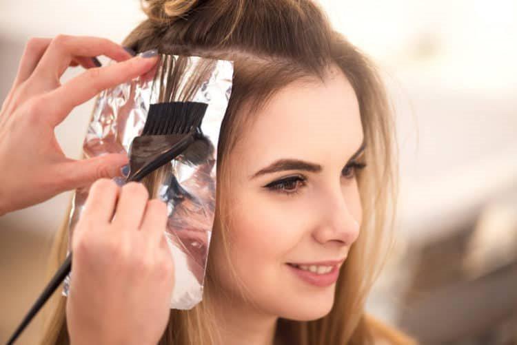 Trước khi nhuộm tóc nhớ phải làm điều này để bảo vệ đôi mắt của mình