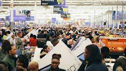 """Tại sao các nhãn hàng lại đồng loạt giảm giá """"kịch sàn"""" vào ngày Black Friday?"""