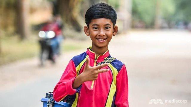 Cơ hội đổi đời của cậu bé người Campuchia biết nói 14 thứ tiếng