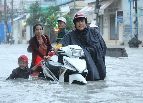 Ngày mai, 26/11 học sinh tại TP HCM sẽ được nghỉ học do ảnh hưởng của áp thấp nhiệt đới