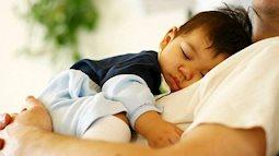 Những lý do bạn nên hạn chế để con ngủ cùng người cao tuổi