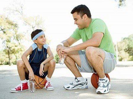 Bố mẹ cần tránh 3 câu nói này khi nuôi dạy con trai