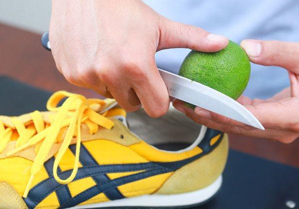 Với những mẹo sau đây sẽ đánh bay mùi hôi của giày cực nhanh, cực dễ
