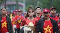 Những khoảnh khắc thú vị của fan nữ ủng hộ U23 Việt Nam