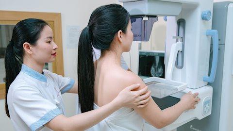 Những loại tầm soát ung thư mà nữ giới cần thực hiện thường xuyên