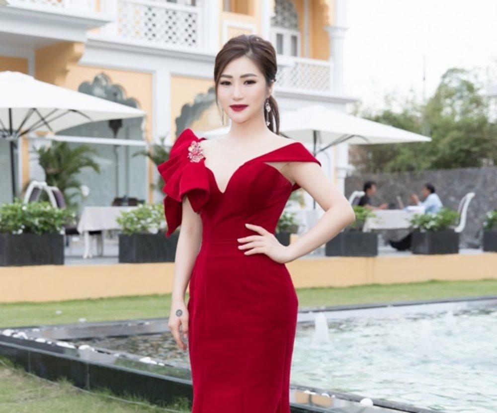 Gần ngày tổ chức Liveshow, Hương Tràm càng quyến rũ 'chết người'