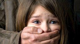 Từ vụ hiệu trưởng dâm ô đến việc cần dạy con cách tự bảo vệ mình ngay cả với những người thân quen nhất