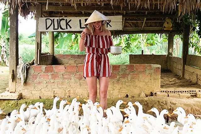 Thích thú trải nghiệm massaga vịt ở Quảng Bình