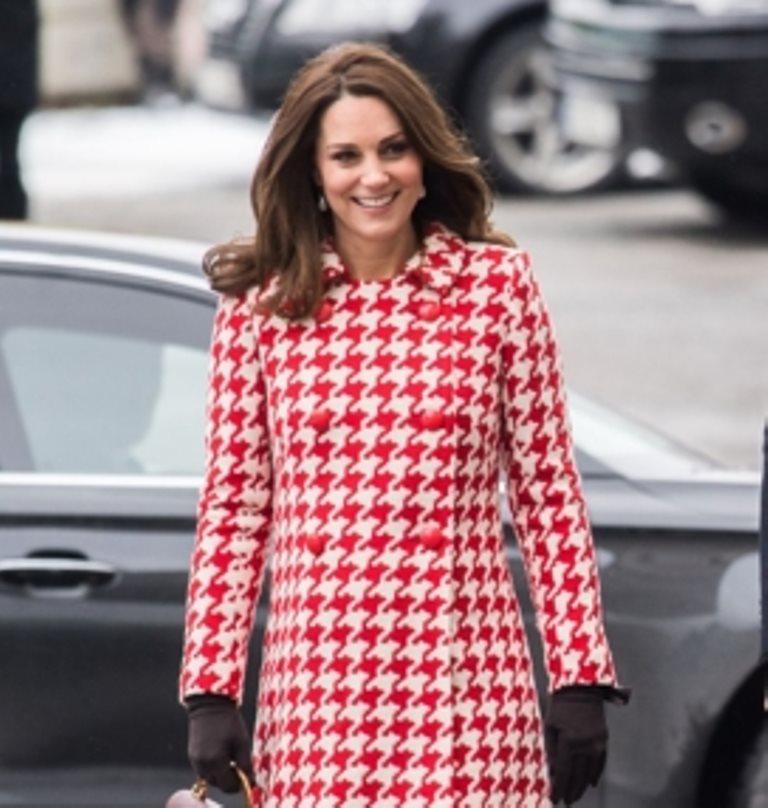 Mặc đẹp như Công nương Kate Middleton bất chấp tuổi tác