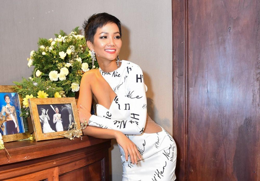 Được thưởng hơn 1 tỷ đồng sau top 5 Miss Universe, 'cô Hen' dùng hết làm từ thiện