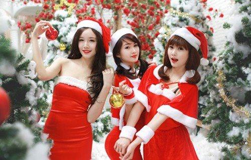 Đừng bỏ qua cách make up ấn tượng và ấm áp cho bữa tiệc Noel