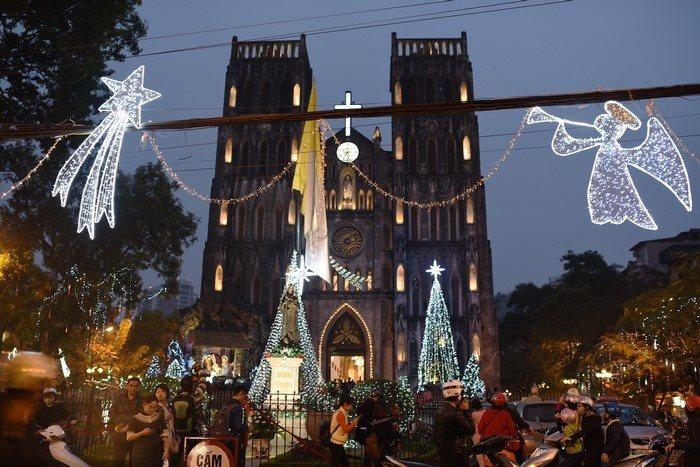 Noel này đừng bỏ qua những điểm vui chơi đầy màu sắc sau ở Hà Nội