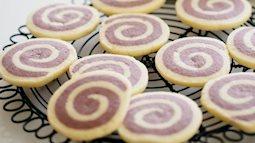 Làm bánh quy xoắn ốc xinh xắn chỉ với những nguyên liệu đơn giản