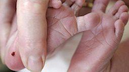 Điều kỳ diệu đằng sau giọt máu lấy ở gót chân trẻ sơ sinh
