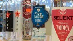 Thị trường rượu Tết: Hỗn loạn ma trận rượu thật giả