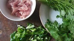 Thịt lợn nấu rau mùi, hoa hồi, ăn ngay kẻo hết phần