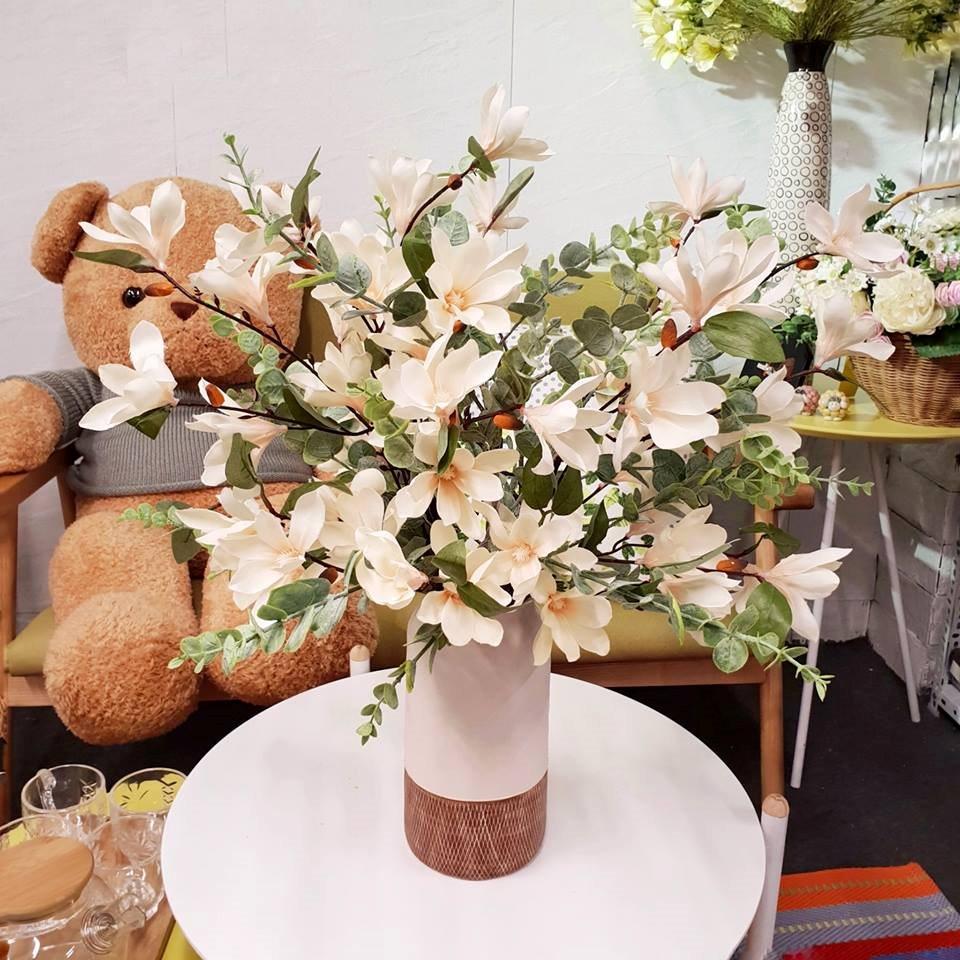 Làm rạng rỡ căn nhà bạn bằng những lọ hoa
