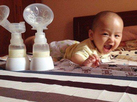 Kích sữa- Việc làm không hề khó như suy nghĩ bấy lâucủa mẹ bỉm sữa