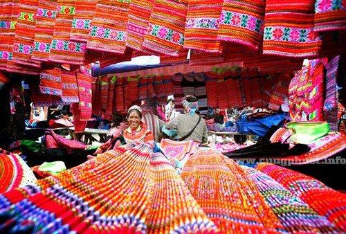 Rủ nhau đi chợ phiên vùng cao giữa lòng Hà Nội