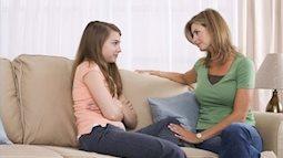 """3 """"khẩu quyết"""" cha mẹ nên dạy con gái tuổi teen"""