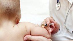 Viện trưởng Viện vệ sinh dịch tế Trung ương: Sốt 38 độ là phản ứng tốt của trẻ khi tiêm vacxin Combe Five