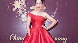 Trịnh Kim Chi diện đầm lệch vai như bà hoàng khiến ai cũng ngước nhìn