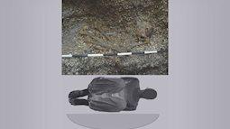 Chấn động phát hiện hài cốt cô gái có đôi tay lực sĩ trong mộ cổ gần 6000 năm