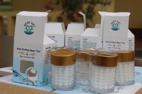 Cảnh báo chị em: Bắt giữ hơn 2.000 lọ kem dưỡng da nhãn hiệu PEARL nhập lậu từ Trung Quốc tại Quảng Ninh