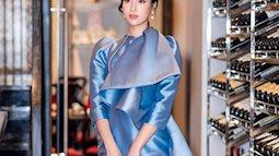 Đỗ Mỹ Linh như mệnh phụ phu nhân với váy xanh biển khác biệt