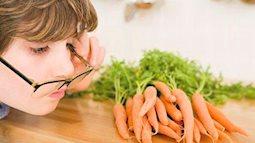 Cuối năm đừng chỉ chạy theo deadline, hãy bảo vệ mắt bằng những thực phẩm sau
