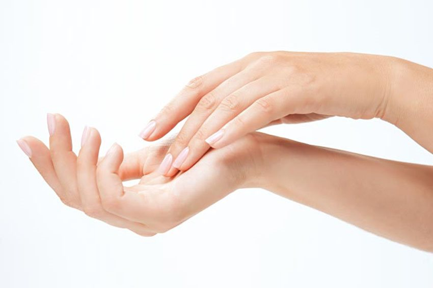 Bí quyết giữ bàn tay không bị nhăn nheo giữa mùa lạnh