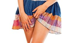 Tranh cãi chuyện nữ ca sĩ bị bệnh phụ khoa vì mặc quần quá chật