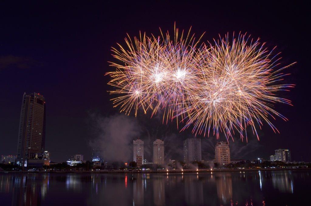 Hà Nội: Bắn pháo hoa tại 30 điểm đêm giao thừa Kỷ Hợi