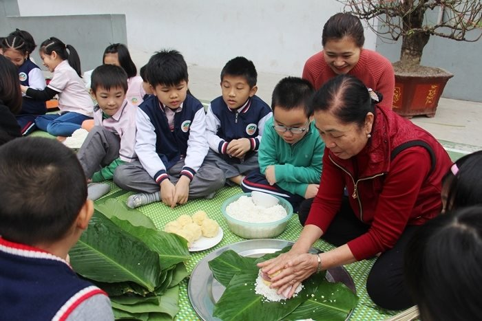 Tết là dịp tuyệt vời để dạy con những điều ý nghĩa về truyền thống và gia đình