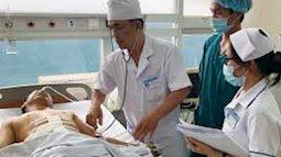 Chủ quan ngậm tăm khi ngủ: Bị xuyên thủng lá lách