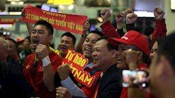 Bố mẹ cầu thủ Việt Nam cùng hơn 300 cổ động viên sang Dubai tiếp sức mạnh cho đội nhà