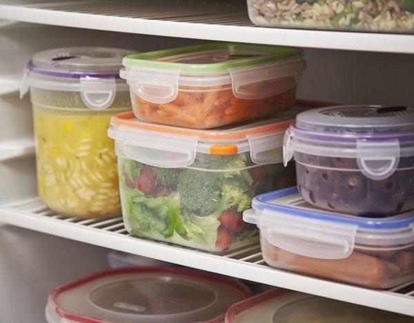 """""""Tiền mất tật mang"""" khi tích trữ thực phẩm ngày Tết không đúng cách"""