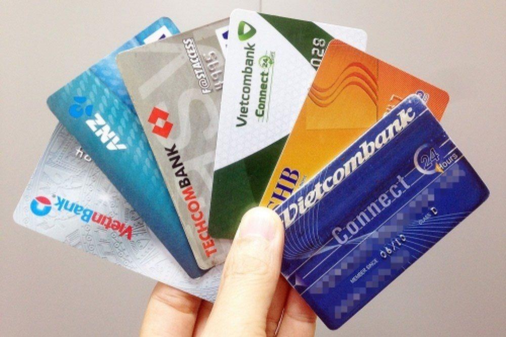 Tiền của hàng triệu người phải làm lại thẻ ATM sẽ đi đâu?